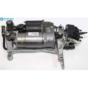 Компрессор пневматической подвески с блоком клапанов Audi Q7